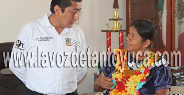 Gestiona alcalde de Chicontepec seguros de protección y mortandad de ganado | LVDT