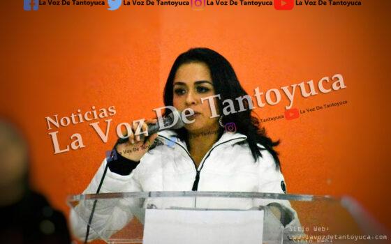 Alcaldesa engaña a lugareños y les entrega obra inservible | LVDT