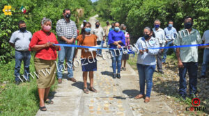 Ayuntamiento rehabilitan calles en La Mora Xilozuchil