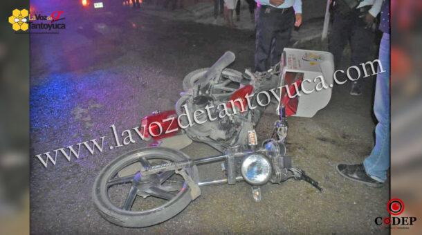 Motociclista derrapa y se impactan contra motopizzero   LVDT