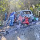 Taxi termina totalmente calcinado tras corto circuito, en Tantoyuca | LVDT