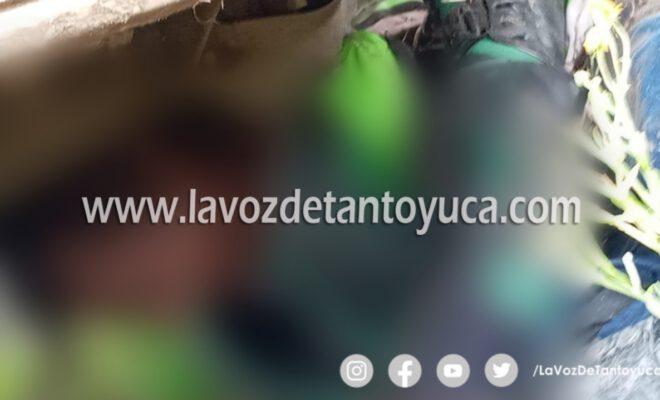 Muere motociclista al impactarse contra camioneta