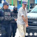 Enloquecido sujeto aterrorizó a médicos y pacientes de un hospital; fue detenido