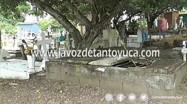 Siguen los ritos de santería en cementerio de Tampico Alto