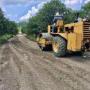 Rehabilitan camino saca cosechas en Zspotempa