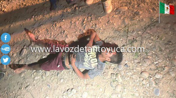 Joven motociclista resulta lesionado tras ser impactado por taxista