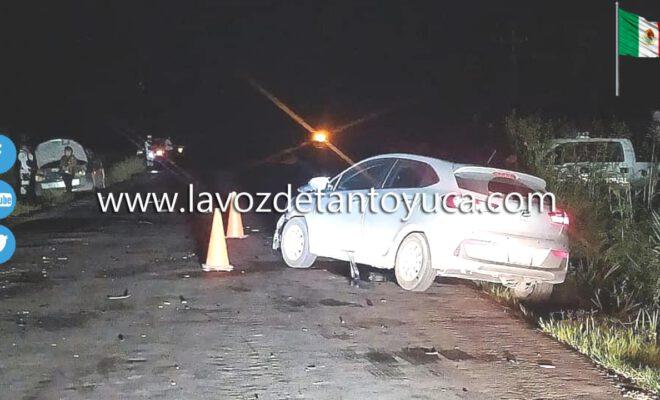 Se impactan contra tráiler estacionado; tres heridos