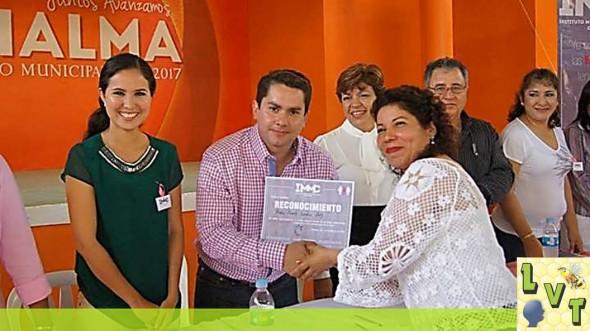 el alcalde entrego reconocimientos a mujeres Chalmenses