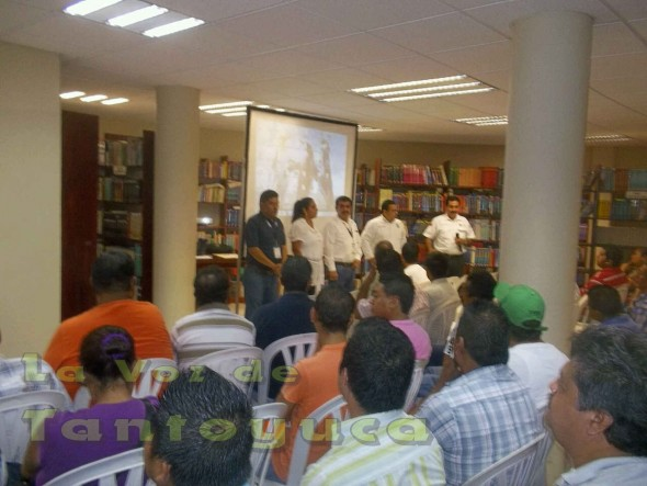 Previó al curso de los transportistas, el Delegado Regional de Transporte Público del Estado Luis Alfredo Medina Botana y el instructor fueron los que inauguraron dicha actividad.