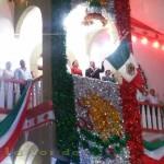 El Presidente Municipal Arq. Aurelio Pérez Pardavé dio el tradicional Grito de Independencia. Lo acompañó el Lic. Carlos Héctor Torres Martínez representante del Gobernador del Estado.