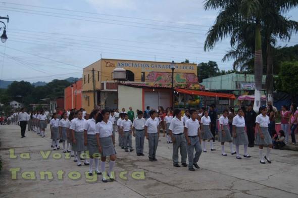 El clima fue excelente para que se lleve a cabo el desfile este 16 de Septiembre en el Municipio de Chalma.