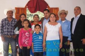 Previo al informe de Gobierno, el Lic. Adrián Feliciano Martínez y su familia desayunaron con el Lic. Carlos Héctor Torres Martínez, representante del Gobernador del Estado.