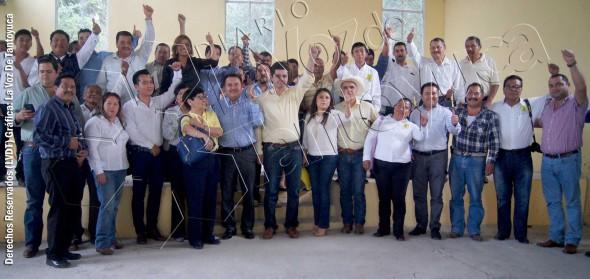 Los líderes perredistas locales y regionales, se reunieron en días pasados en Tantoyuca, en donde sostuvieron importante reunión interna. Foto: LVDT.