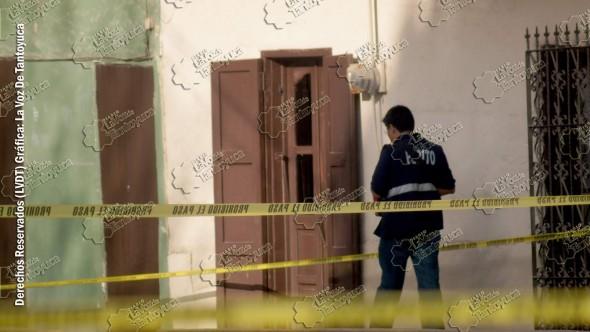 Personal del ministerio público tomó conocimiento del artero asesinato. Foto: La Voz De Tantoyuca.