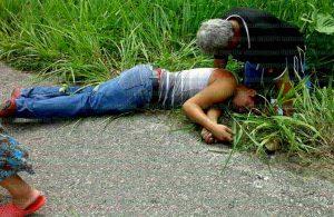 De certero balazo en la cabeza fue asesinado conocido mecánico en el municipio de Coatzacoalcos. Foto: LVDT.