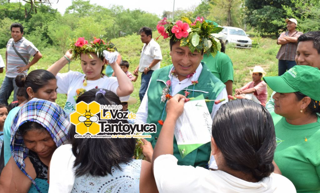 Impulsaremos más y mejores apoyos en beneficio del productor chicontepecano: Pedro Adrián Martínez Estrada. Foto: LVDT.