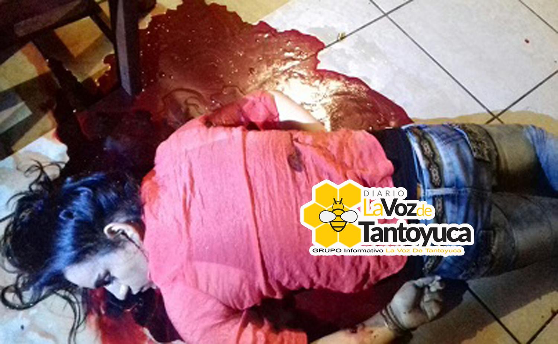 Asesinan a mesera y a homosexual en el interior de un bar. Foto: LVDT.