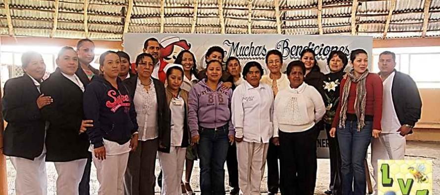 Festejan a enfermeras en su día, DIF Municipal de Platón Sánchez