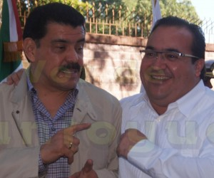 ¿A que le teme Javier Duarte de Ochoa?; fue escoltado por más de 40 patrullas a su llegada a Platón Sánchez